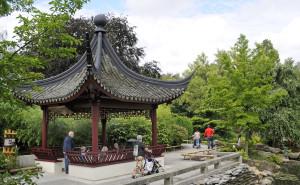 De Chinese sfeertuin met het dichtershuisje